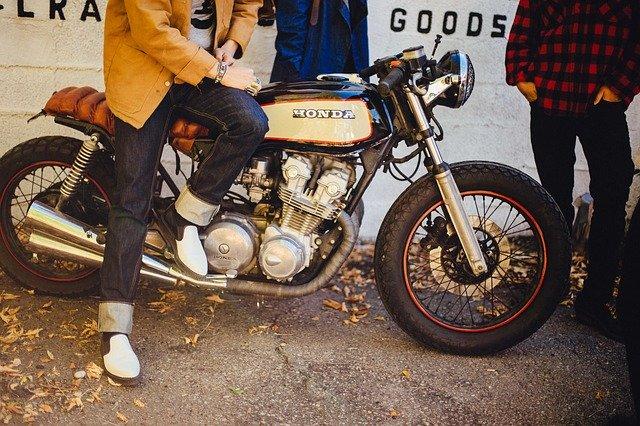 Alquiler de motos clásicas Madrid